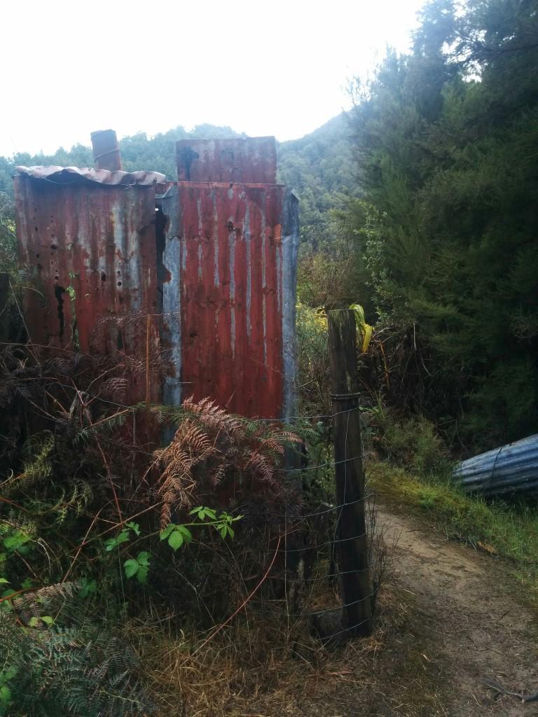 Und so sieht die Mine von außen aus.