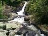 Die letzte Wasserfalltreppe. Im Sommer ohne vorherigen Regen ist der Fluss sicherlich richtig klein.
