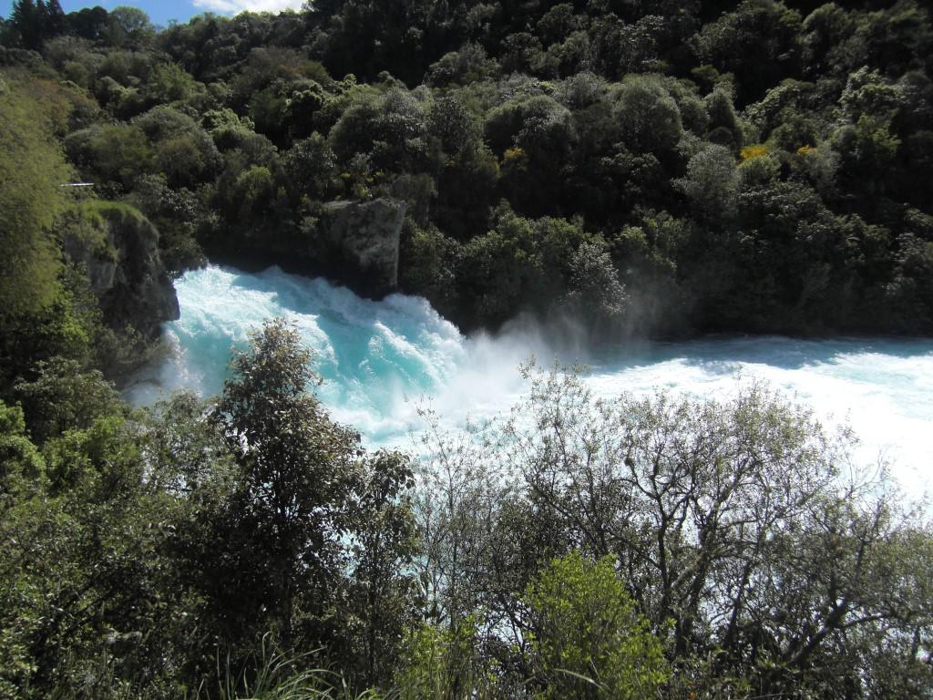 Der Wasserfall ist wirklich nicht lang, dafür aber gewaltig.