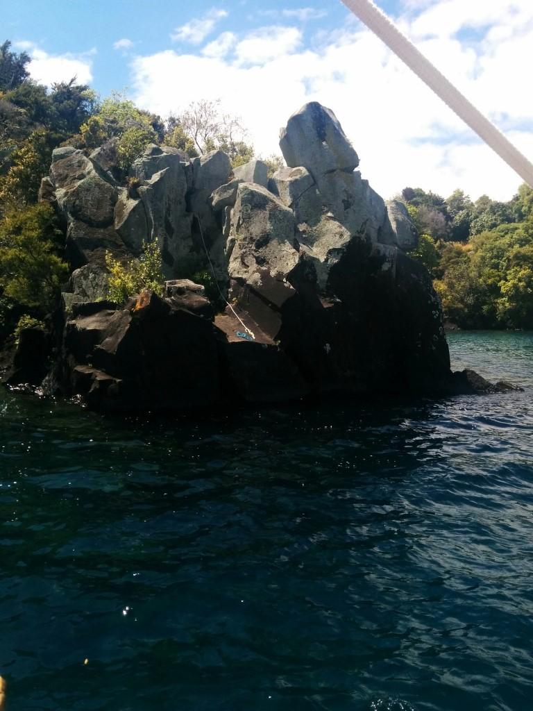 Dort haben ein paar Kayaker wohl ihr Seil vergessen :D