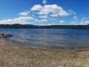 Der Hot Beach im Panorama. Überall fließen diese heißen Quellen in den See (und einige sicher auch unterirdisch)