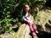 Wir mussten etwa 200000 Bilder von der auf einem Baumstamm sitzenden Reegan machen. Auf jedem umgefallenen Baumstamm, der unseren Weg kreuzte...