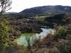 Und wieder unten, auf dem Weg zum Kerosene Creek. Den See konnte man eben schon auf Fotos von oben betrachten.