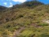 Panoramasicht über den zu bewältigenden Berg. Vielleicht kriegt man ein Gefühl dafür, wie stark das Gefälle ist?