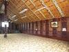 Das Versammlungshaus von Innen. Schöner Teppich!