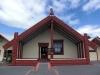 Das Versammlungshaus von außen. Hier sind stets alle Maori Wilkommen, unabhängig von ihrem kirchlichen Glauben.