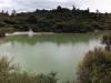 Panoramabild, das mal wieder einen Blue Lake zeigt.